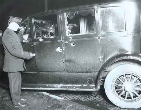 Обстрелянная машина, Чикаго John Binder Collection