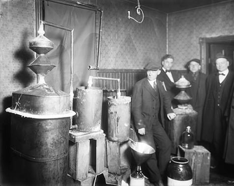 Домашнее изготовление алкоголя, примерно 1920 Walter P. Reuther Library, Wayne State University