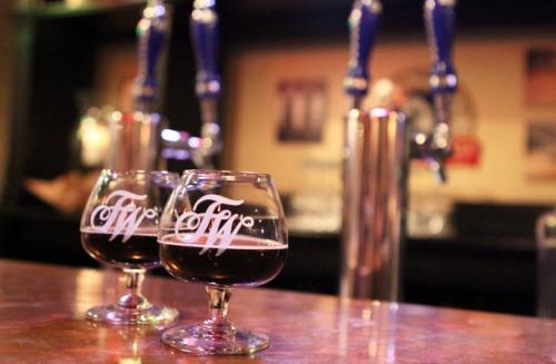 Дегустационный зал Firestone Walker Brewing Company