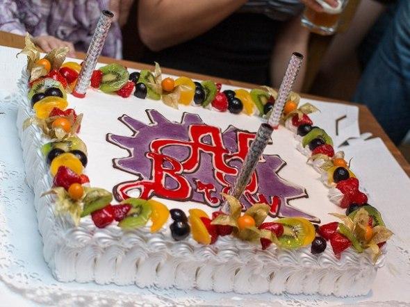Какой же День рождения без торта...